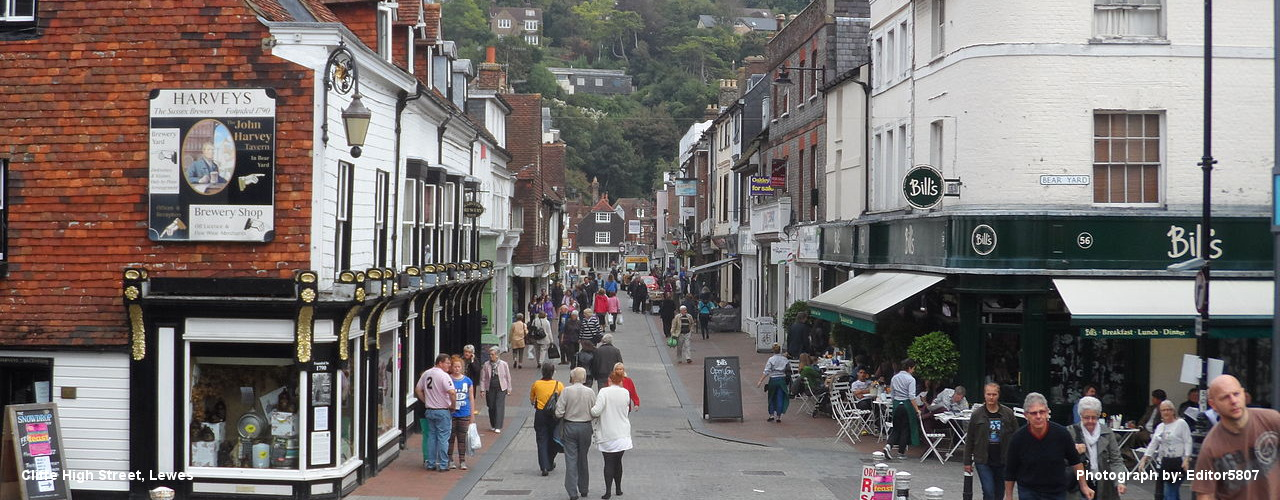 Lewes_Cliffe_High_Street090418