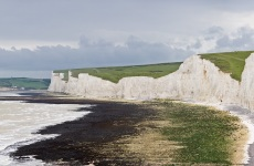 Seven_Sisters_Panorama,_East_Sussex,_England_-_May_2009